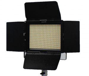 LEDシネロイド800
